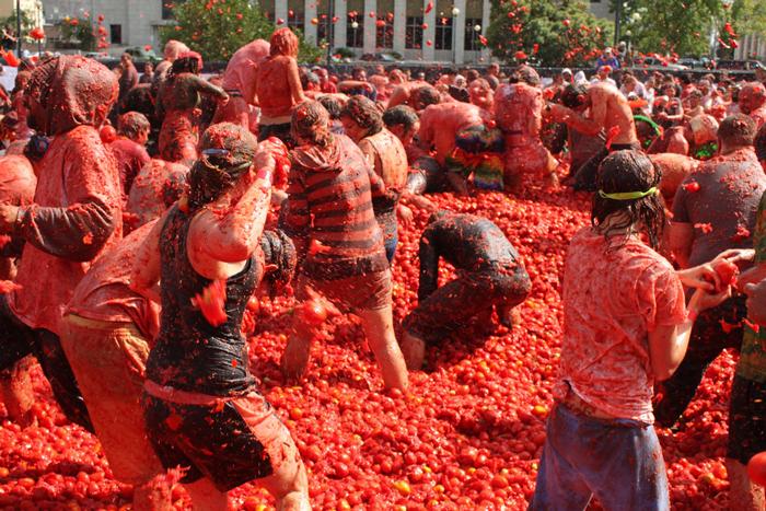 Độc đáo lễ hội ném cà chua ở Tây Ban Nha