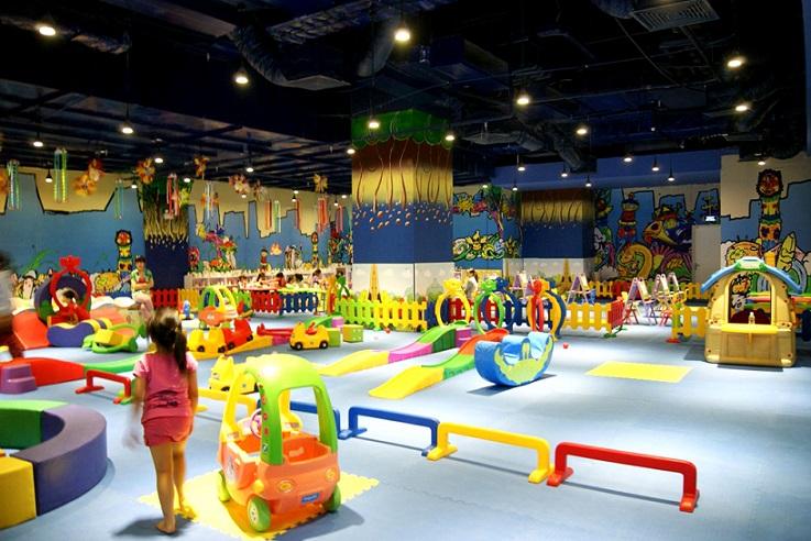 Giá vé tham quan khu vui chơi Royal City mới nhất 2021   Viet Fun Travel