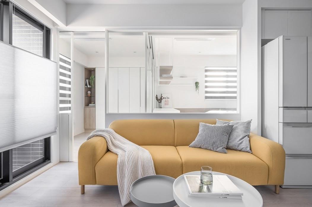 Kết hợp màu sắc nội thất hài hòa với màu tường, sàn và trần nhà